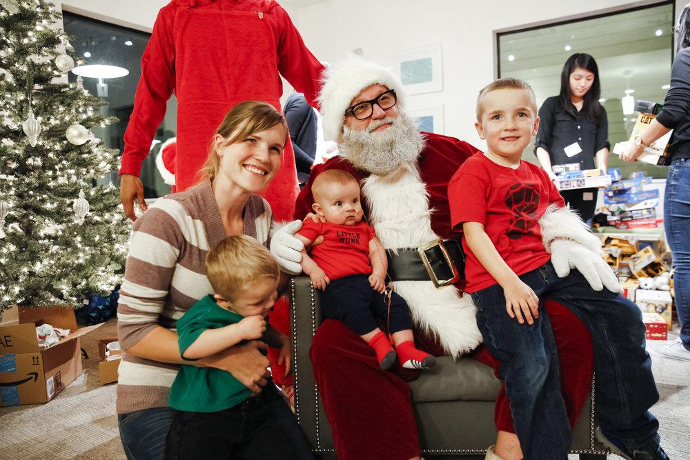 familyhousechristmas-ahp-00201.jpg