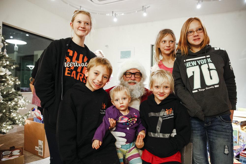 familyhousechristmas-ahp-00244.jpg
