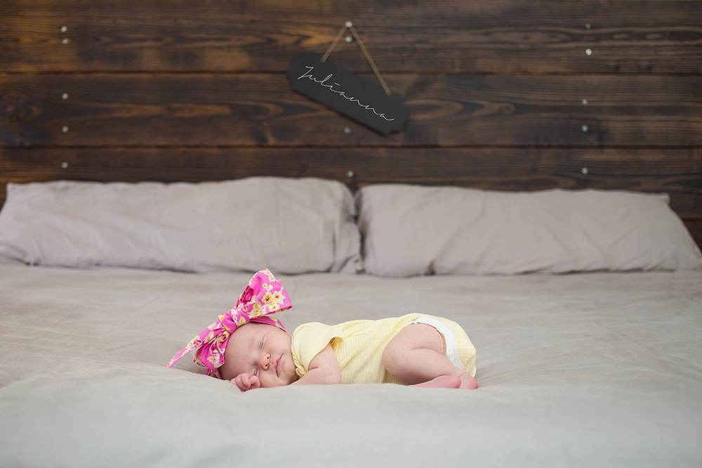Tampa newborn lifestyle photographer-2008.jpg
