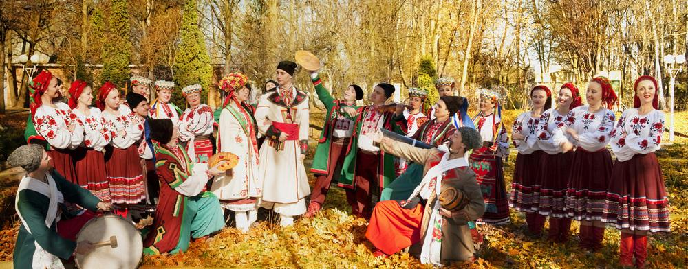ukrainian_culture_wedding_by_romancexgirl-d32qr55.jpg