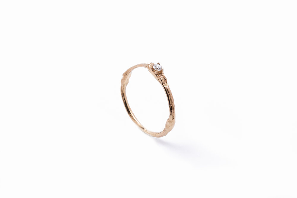 Towers Band9ct rose gold, white diamond