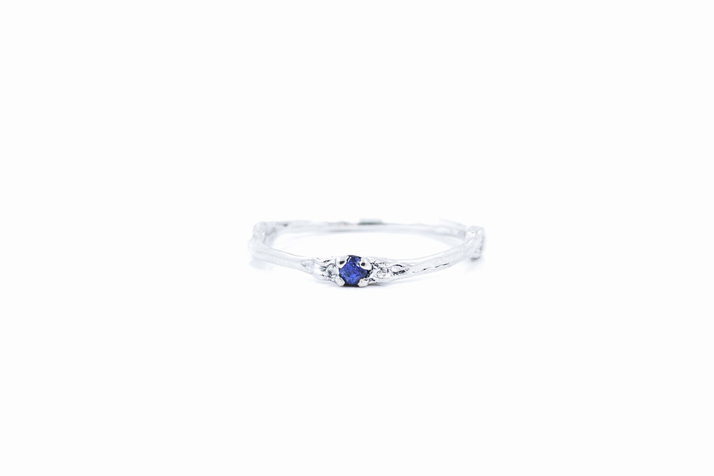 Towers Band sterling silver, blue sapphire