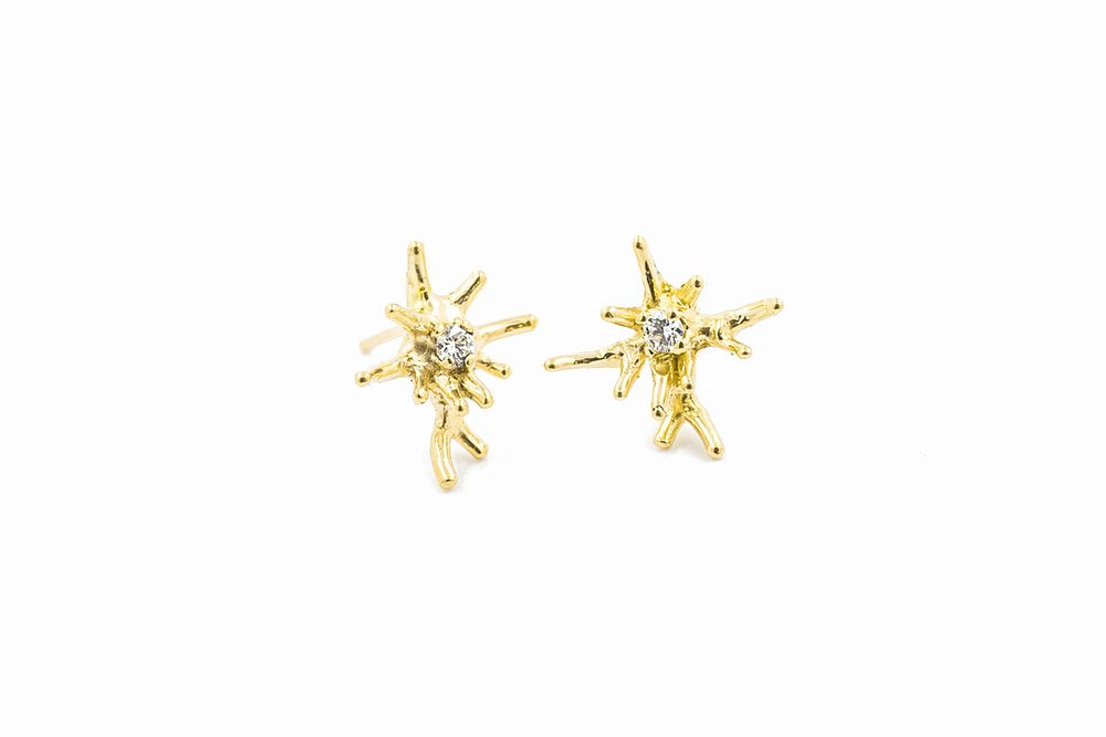 Unfolding Earrings 18ct yellow gold + white diamonds