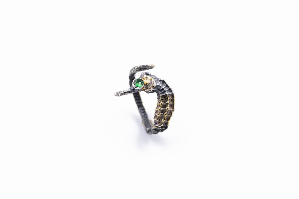 SEAHORSE RingSterling silver, blue sapphire, gold vermeil, patina