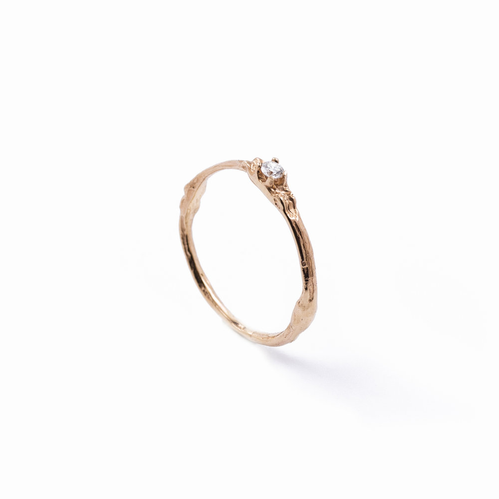 TOWERS BAND 9ct rose gold, white sapphire
