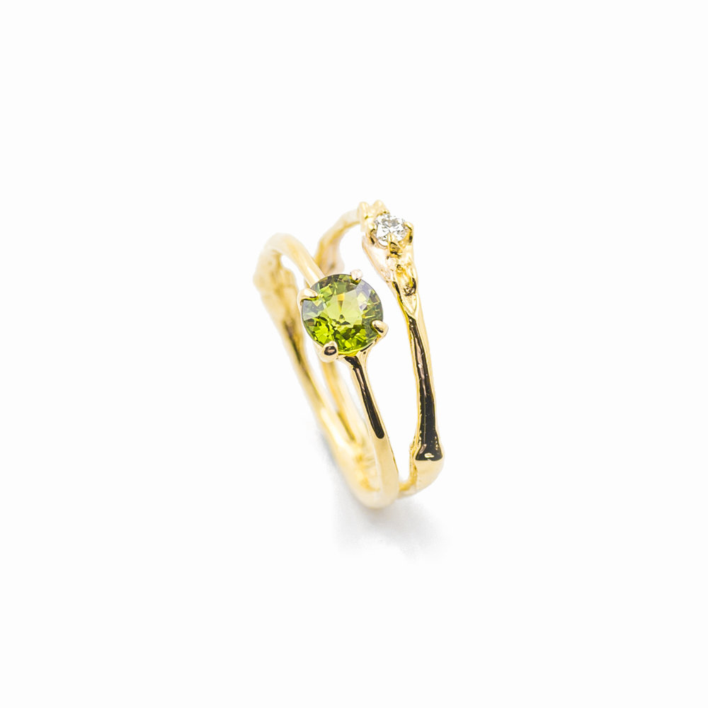 Towers Double Band : 18ct yellow gold, green sapphire, white diamond