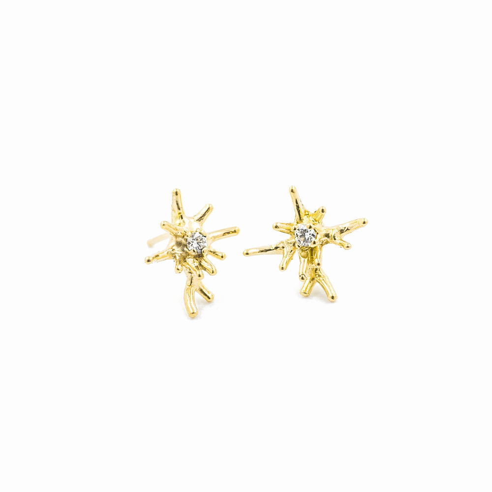 Unfolding EARRINGS18ct yellow gold, brilliant white diamonds