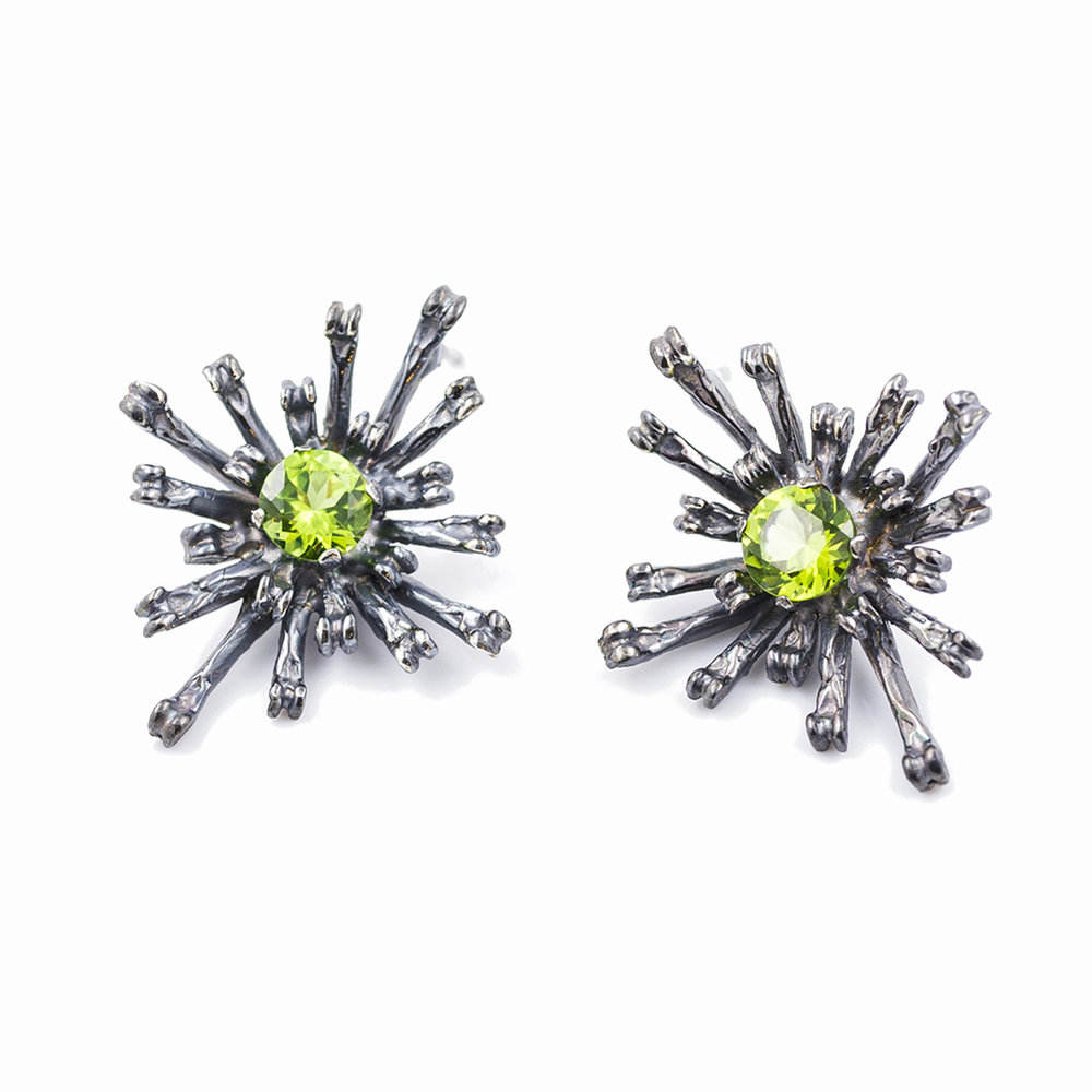 THE FLOWERS REMAINING EARRINGS | TallOxidised sterling silver, peridot