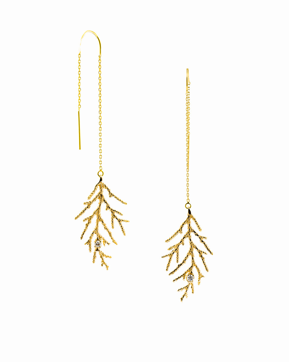 Winter Earrings; Yellow gold, white diamonds.