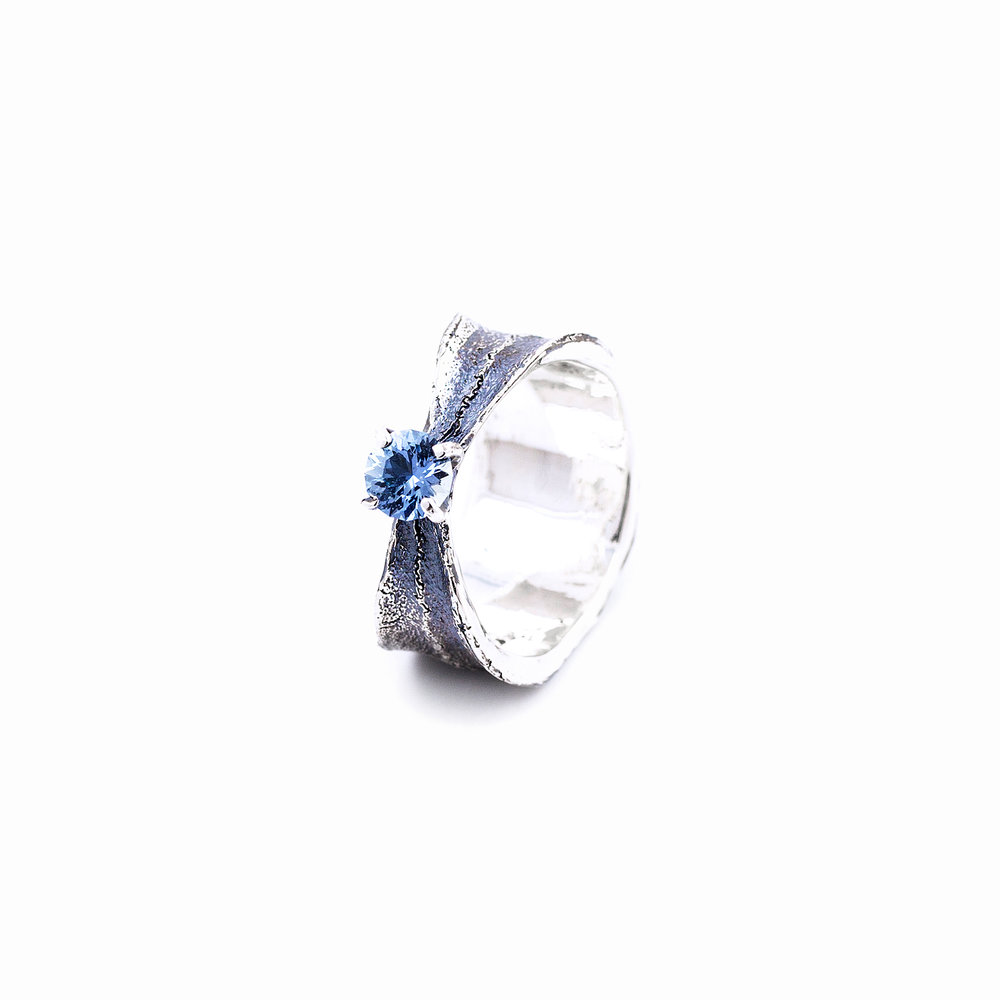 Fused Ring | Sterling silver, sapphire.