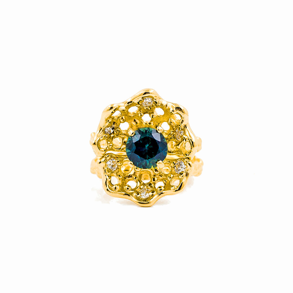 Beneath the Surface | 18ct yellow gold, Australian sapphire, white diamonds.