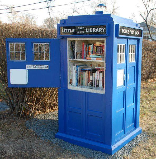 Check out this little Tardis library!     It's like Take a Penny/Leave a Penny but with books!!     What a great idea…spreading the joys of reading and literature to EVERYONE! I'm in love with these little, free-trade libraries that are popping up everywhere!!       It's a free community library that's part of the Little Free Library project.   There are now an estimated 5,000 to 6,000 little libraries across the world where people can leave or take books to read for free.   To learn more about this free book/literacy movement, visit the Little Free Library     at   http://   www.littlefreelibrary.org/