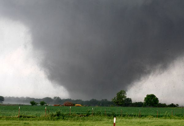 tornado-oklahoma-funnel-cloud_67678_600x450.jpg