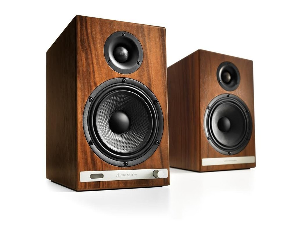 Audioengine HD6 Powered Bookshelf speaker with bluetooth