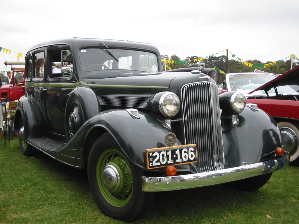 Margaret and Ray Griffin's 1934 Pontiac. Photo: Margaret Griffin.