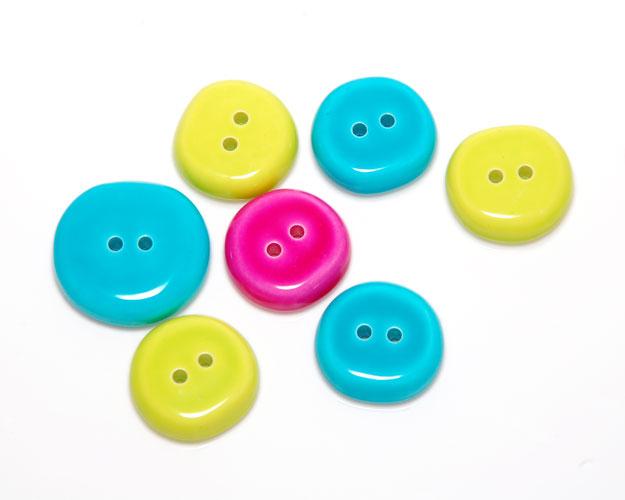 Bright_buttons_001.jpg