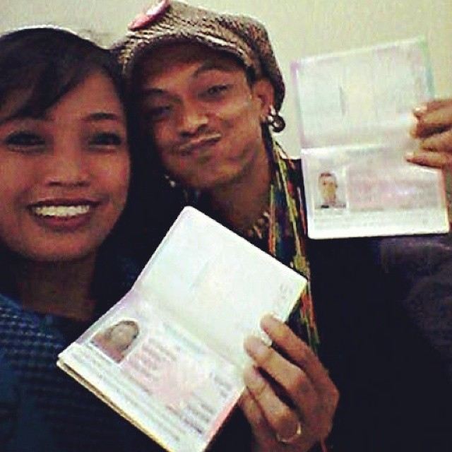 Yeeeay! Boni & Titi udah punya #passport !! Titi akan hadir di pemutaran #JALANAN di #Melbourne #International #Film #Festival 6 & 10 Agustus, dan #trip untuk Boni sedang kami persiapkan :) #musical #documentary #Jakarta #street #busker
