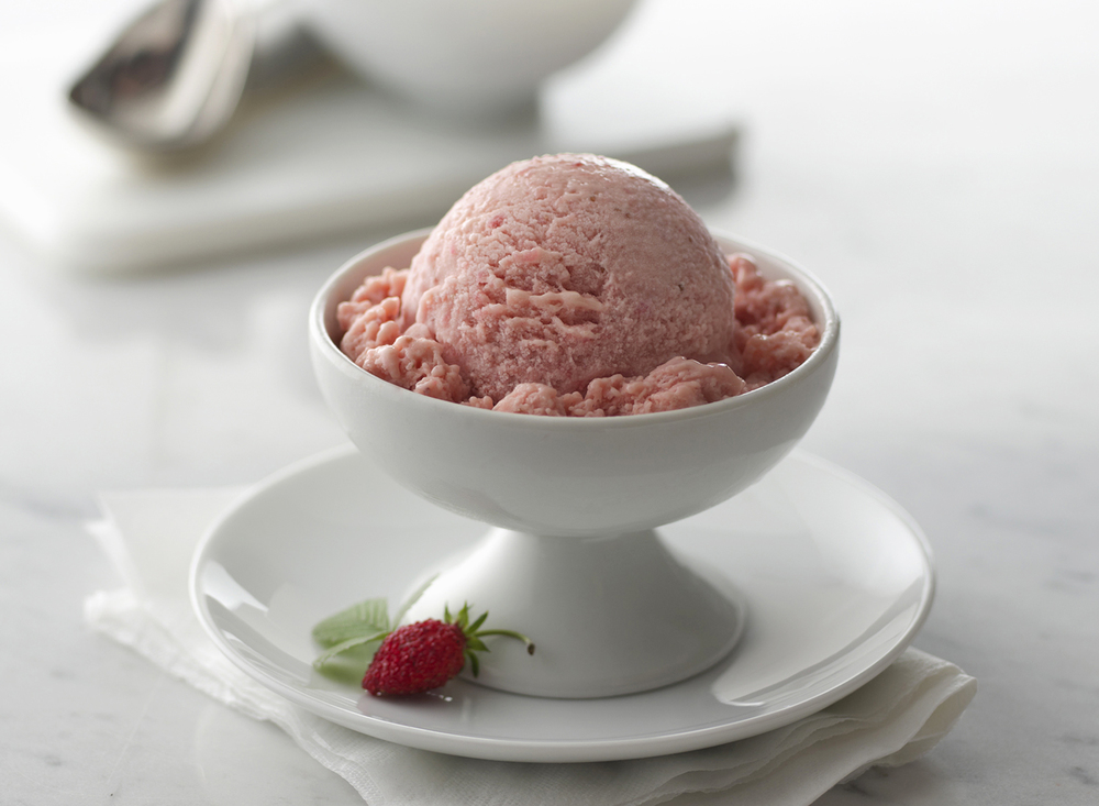 Strawberry Ice Cream | Tony Kubat Photography