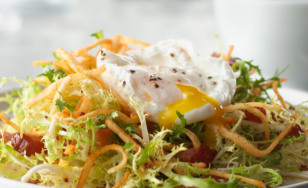 Frisee Salad with Lardons and a Poached Egg | Tony Kubat Photogr