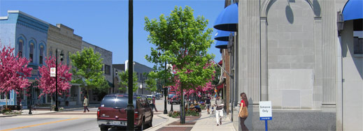 Downtown Oconomowoc.jpg