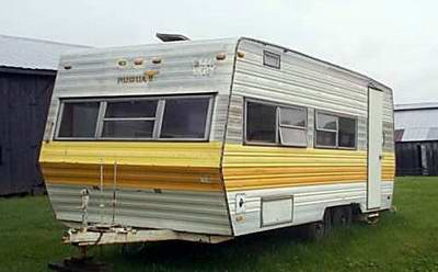 has-anyone-ever-converted-an-old-travel-trailer-into-a-houseboat-21290069.jpg