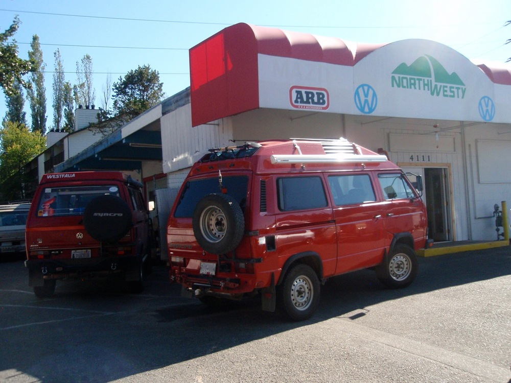 More than a rare sight: Two factory tornado red Syncro 16's!!!!