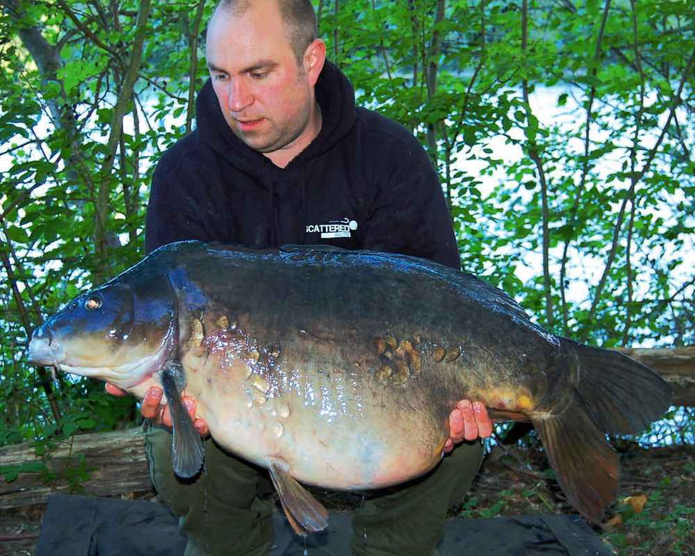 Dan Chart shows off the Little Grey at 43lb 6ozs after an epic battle in the dark