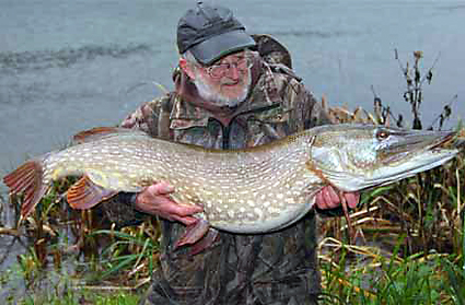 The late Terry Lampard with a stunning 30lb+ pike