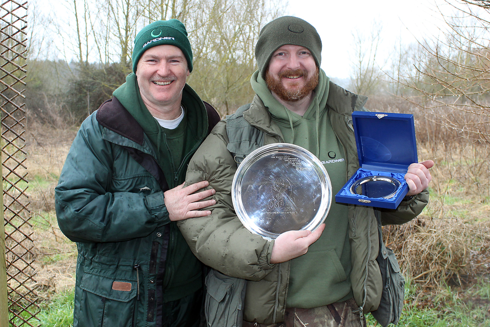 Yours truly presenting Mike Lyddon with the Osprey salver for the year's best catches