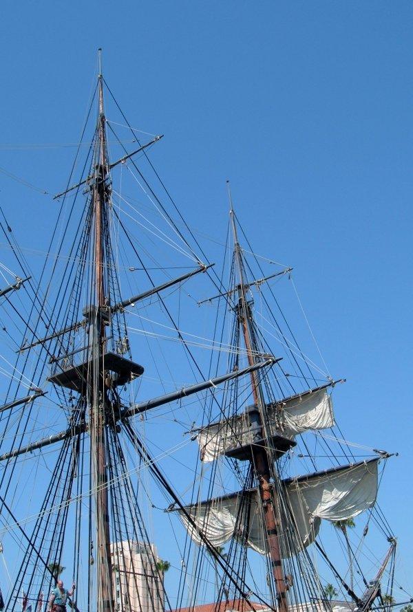 3560-surprise-masts.jpg