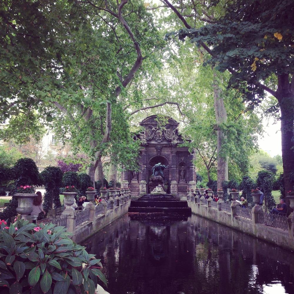 Jardin du Luxembourg fountain.