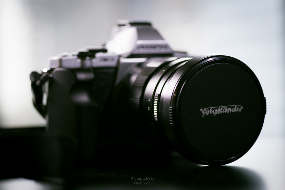 Voightlander 17.5mm f0.95 Review