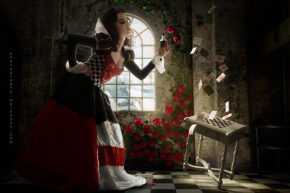 Queen Of Hearts Hairstyles: Alice In Wonderland: The Queen Of Hearts (Behind The Scenes
