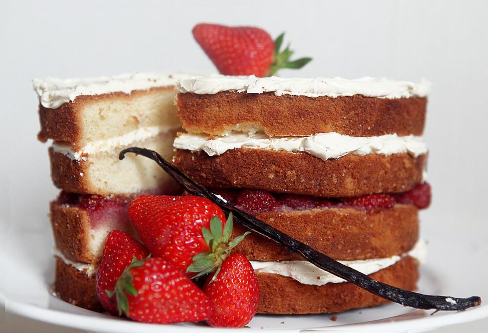Торт с клубникой на заказ