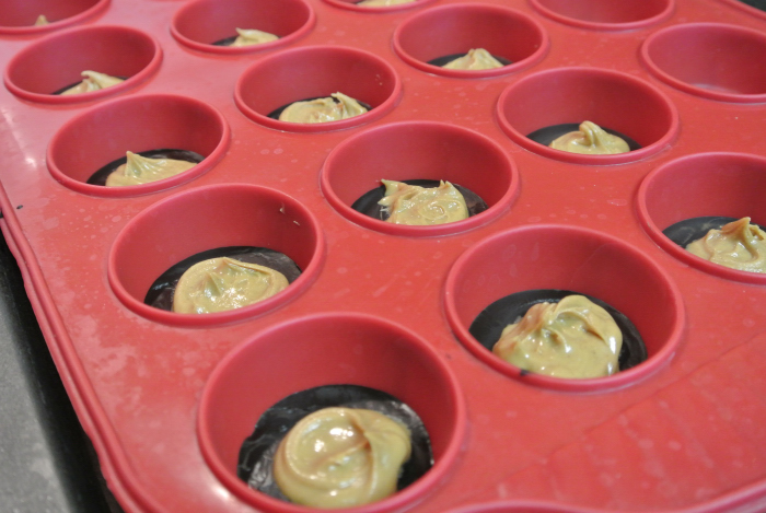 Peanut Butter Cups8_01.JPG