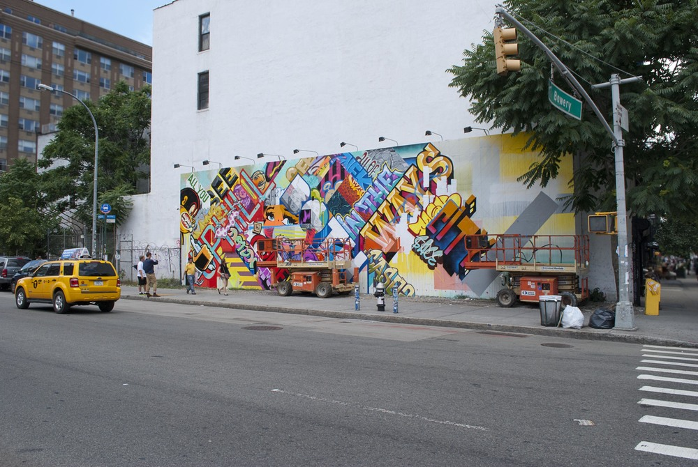 Houston-Bowery-mural-revok-pose