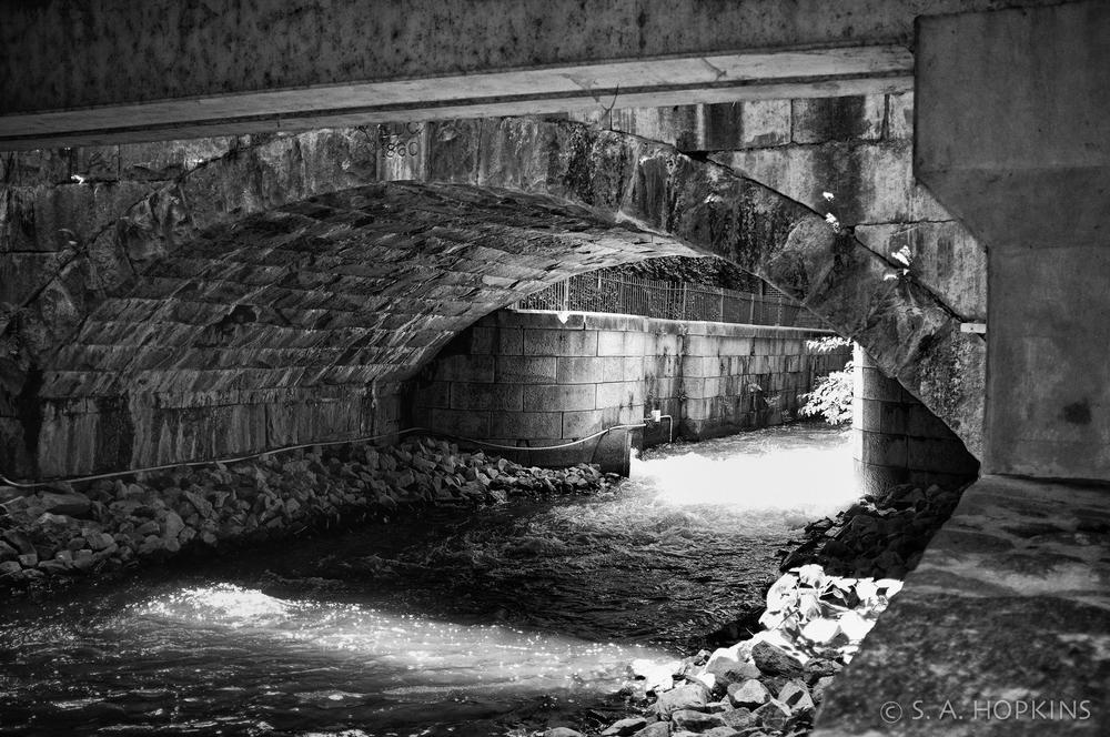 under_bridge.jpg