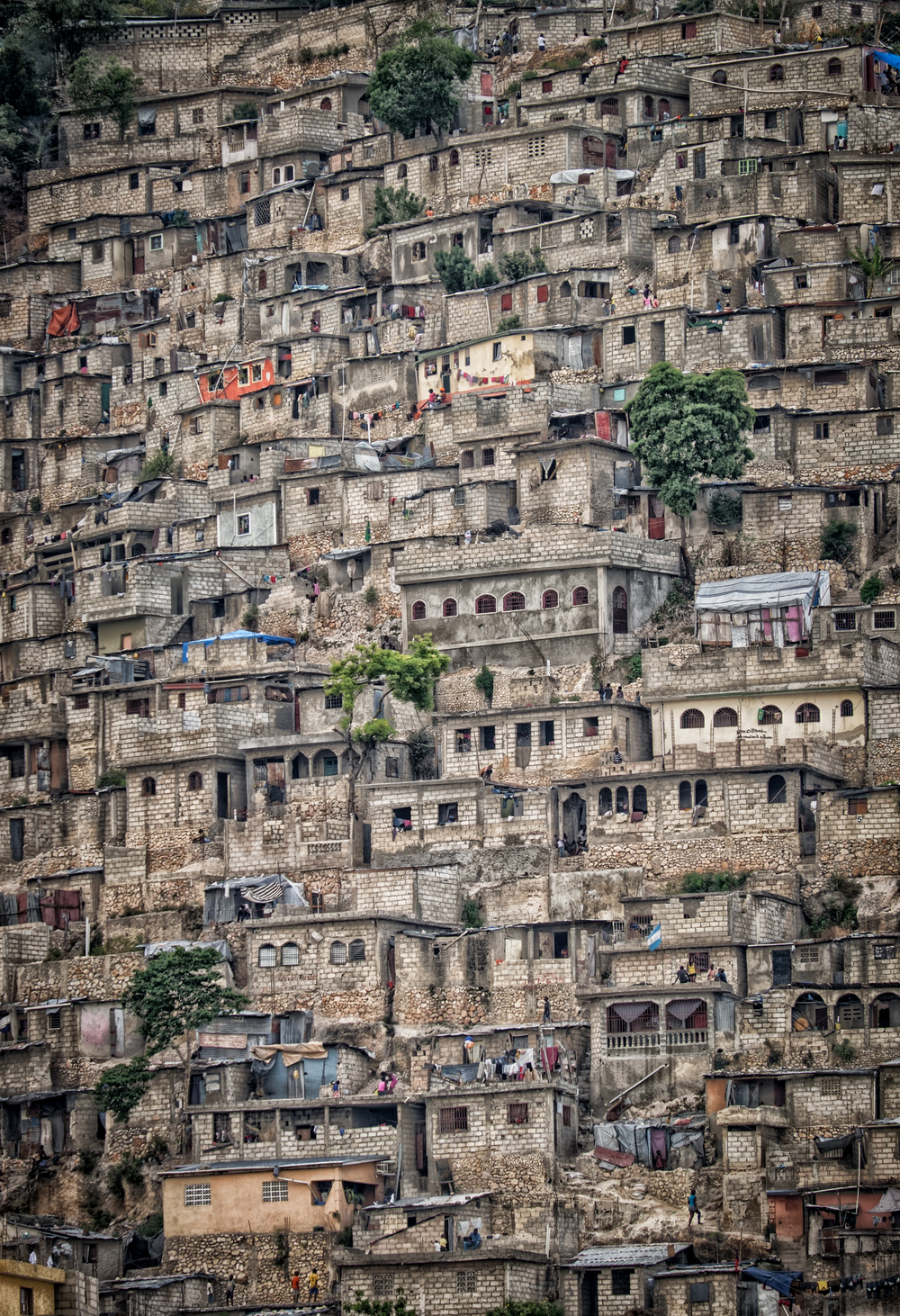 Jalousie slums, Port-Au-Prince, Haiti. 200mm at f/4.8 on the XT-1