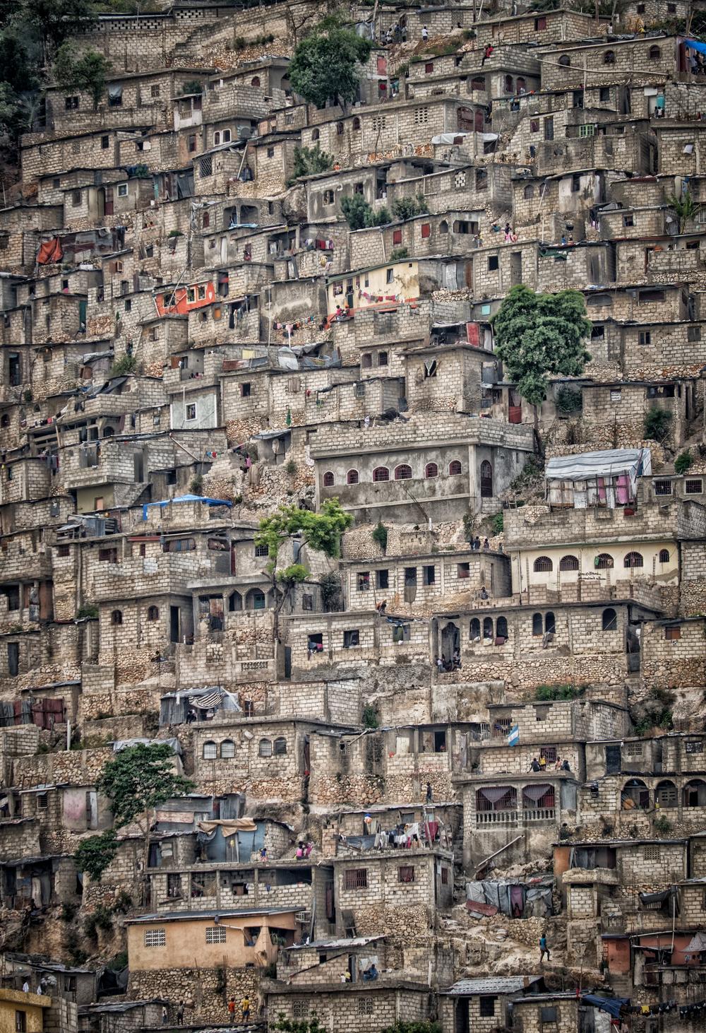 Jalousie slums, Port-Au-Prince, Haiti. 200mm at f/4.8 on the XT-1