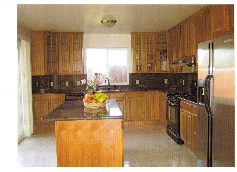 cabinet & granite pictures 004.jpg