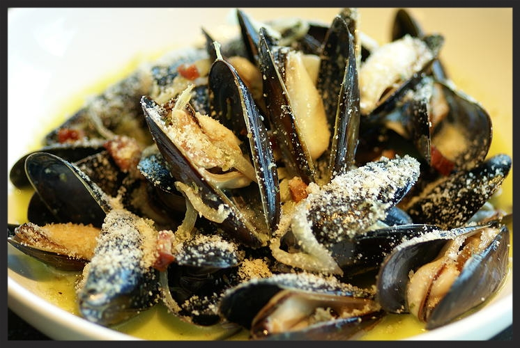 Le Grand Bistro's Mussels  | Courtesy of Le Grand Bistro Americain