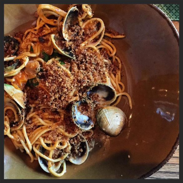 Thick spaghetti with shellfish 'passatina' at Giulia  | Instagram @lilsjan