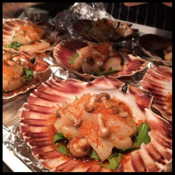 Orkney Hand Dived Scallops at Kitchen Table  |  @bubbledogsKT Twitter