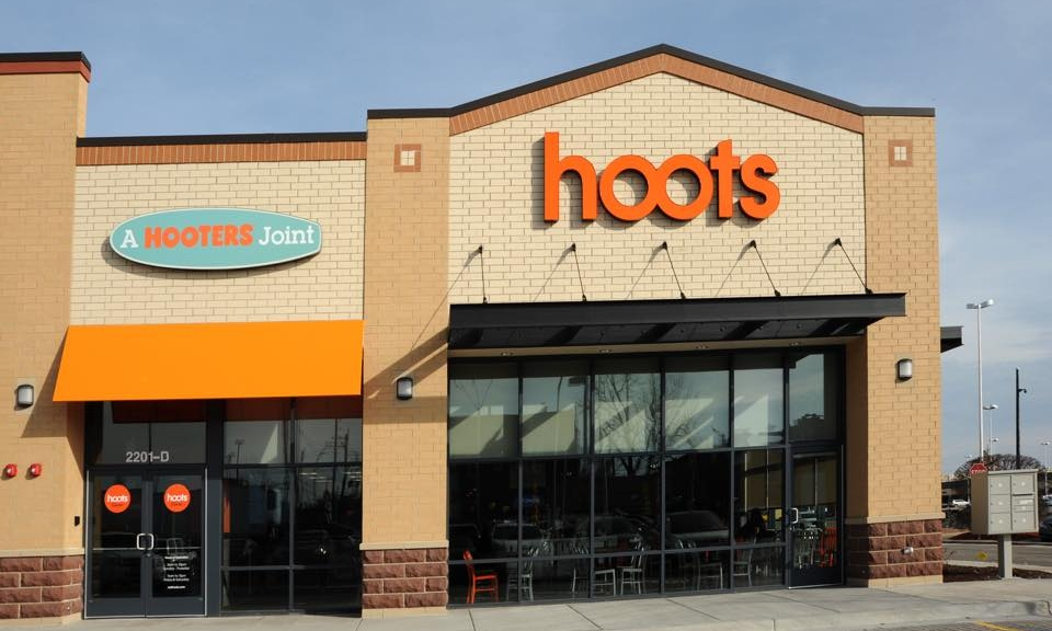 Exterior of Hoots | Hooter's