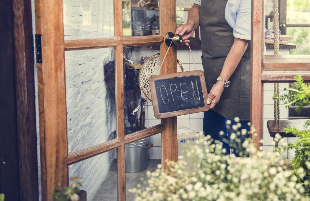 There are 2 Ways to Compete in the Restaurant Industry