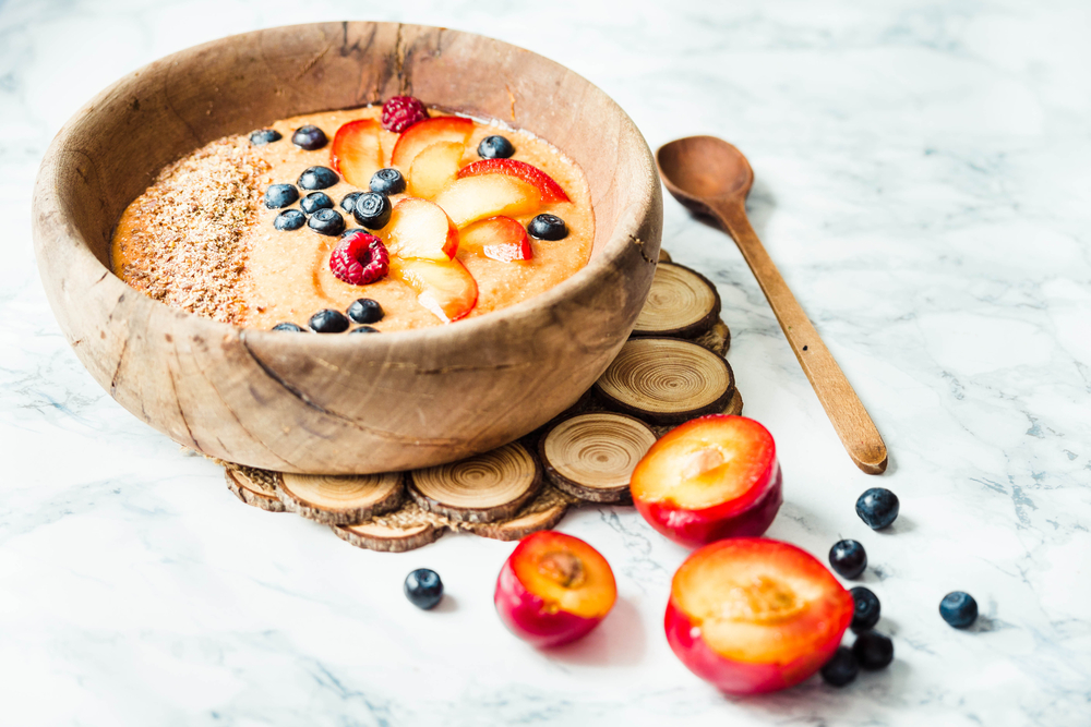 Smoothie bowl with raw foods  |  Shutterstock