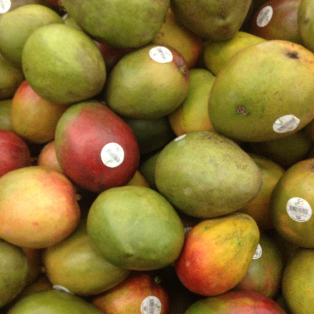 Messy, marvelous mangoes