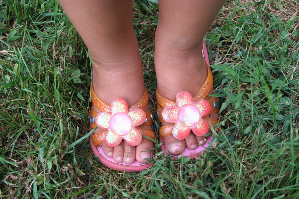 Tori's toes