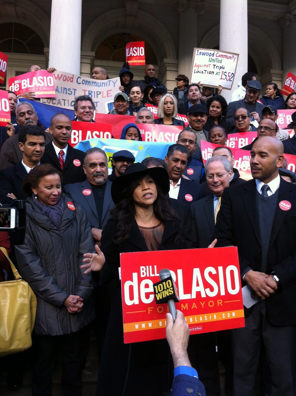 Rosie Perez at Bill De Blasio Rally, City Hall