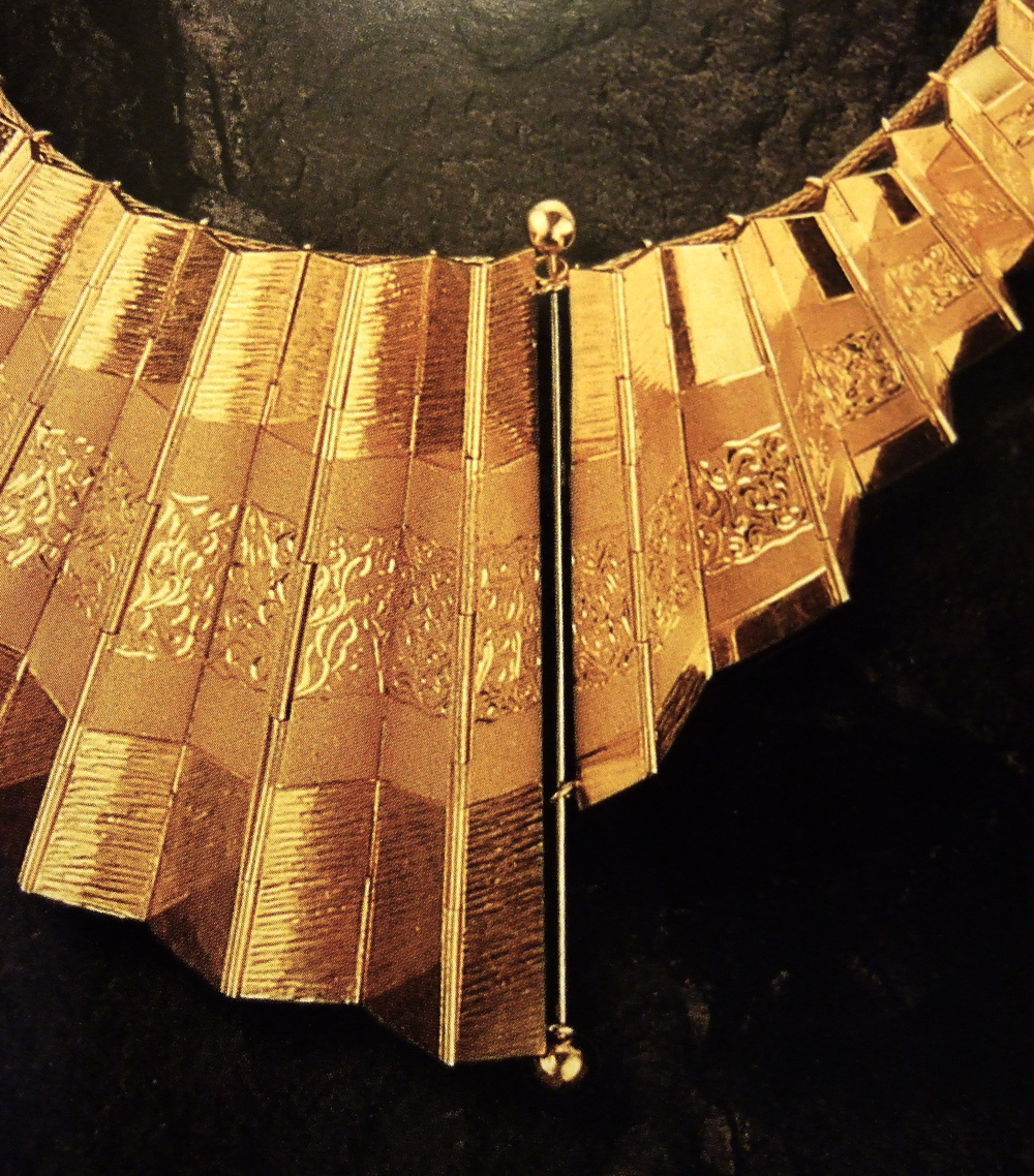 Reena Ahluwalia-Concertina Gold Necklace1.JPG